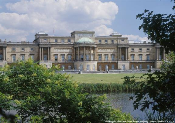 Buckingham Palace Tour and Afternoon Tea gallery image