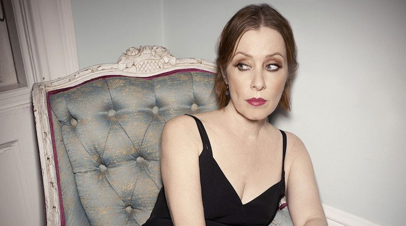 Suzanne Vega Gallery Images