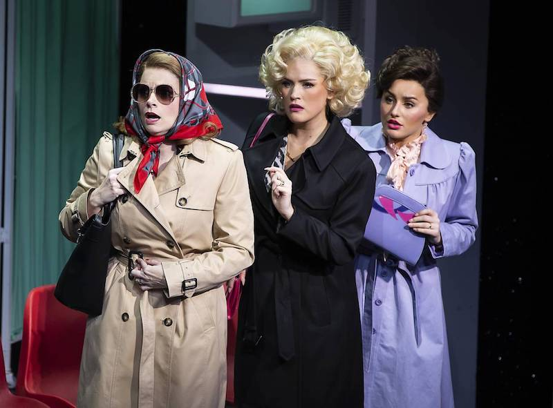 London Theatre Review: 9 to 5 The Musical at the Savoy Theatre
