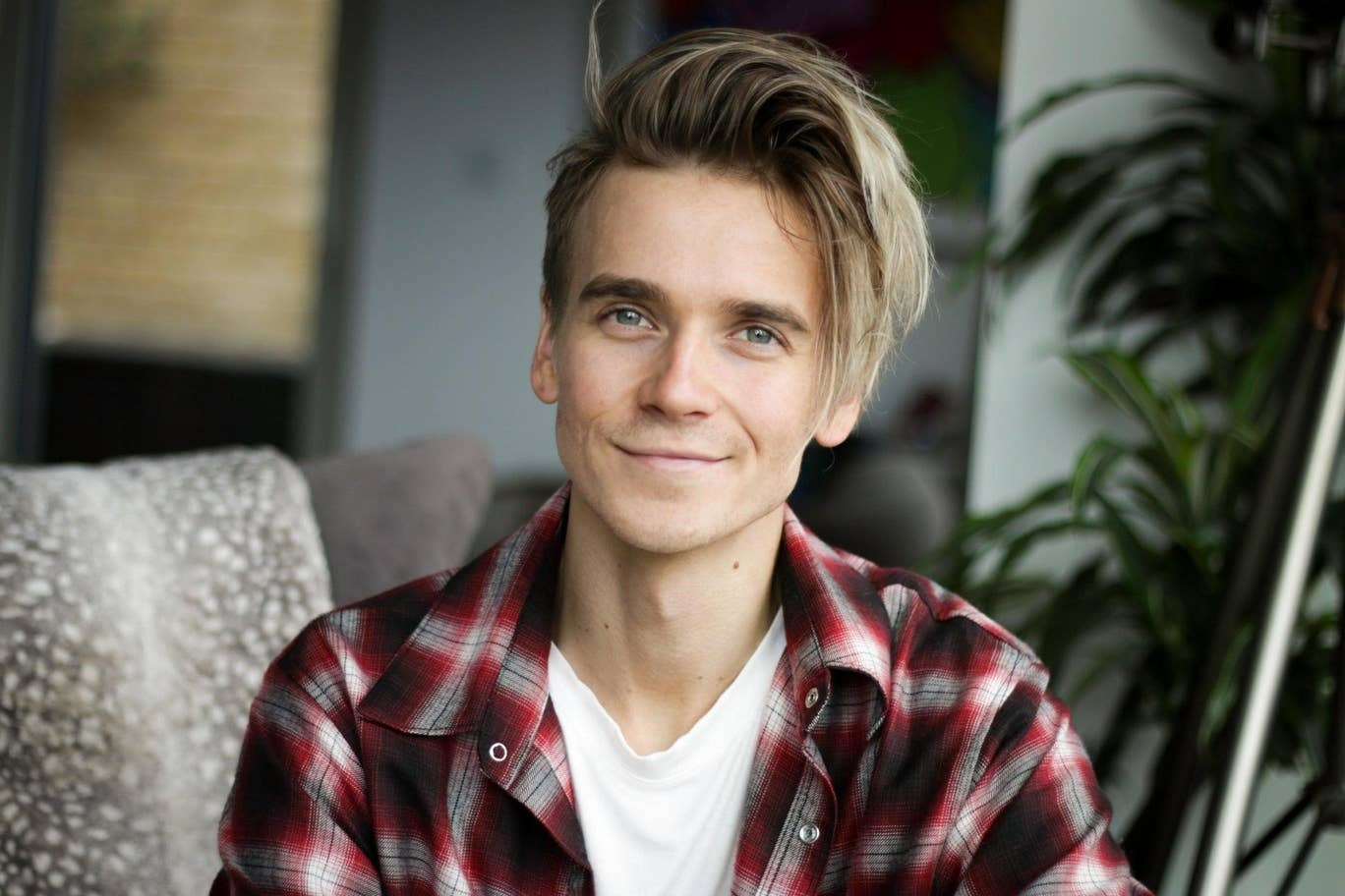 YouTuber Joe Sugg to make West End debut in Waitress