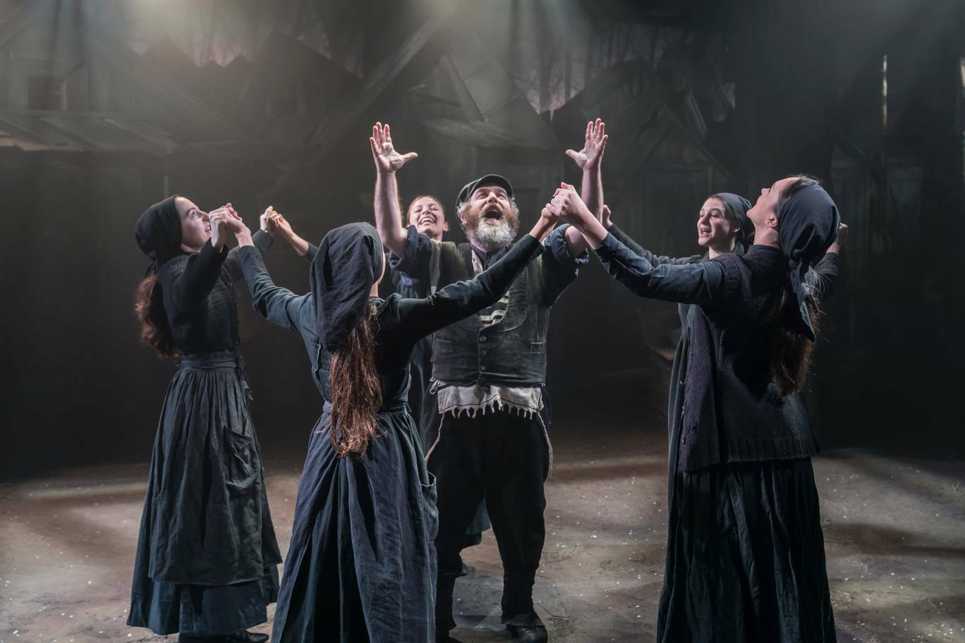 Last chance to see Fiddler On The Roof at the Playhouse Theatre!