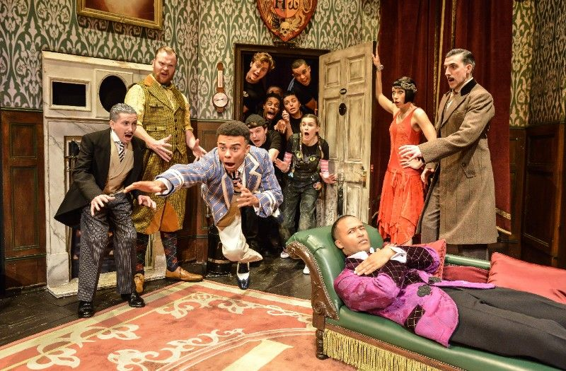 The Play That Goes Wrong returns to the West End!