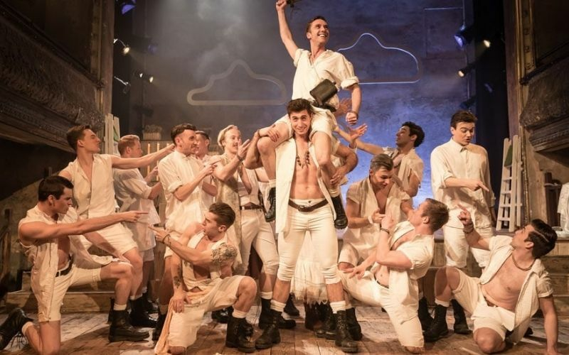 West End cast announced for The Pirates of Penzance at the Palace