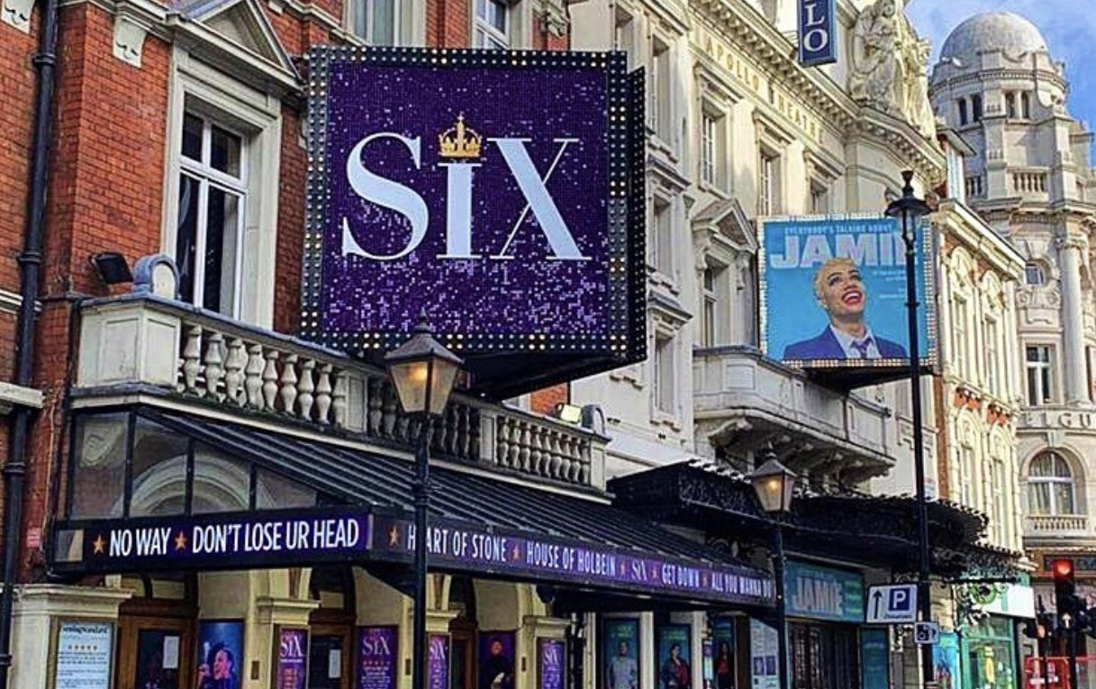 Theatres could reopen from 21 June with full capacity!